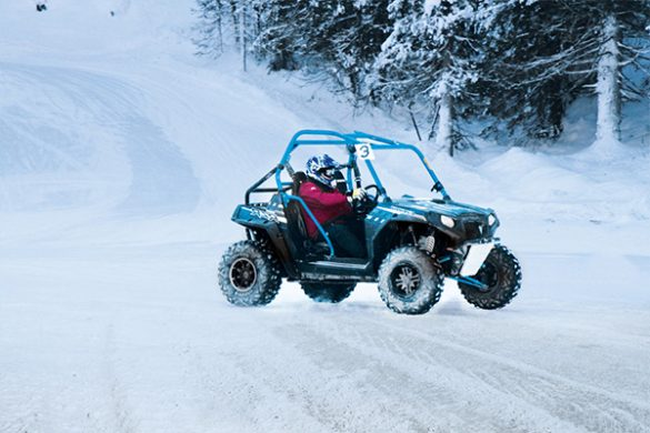 courses en buggy rzr circuit glace flaine. Black Bedroom Furniture Sets. Home Design Ideas